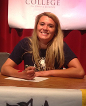 Mustang Volleyball Signs Sims